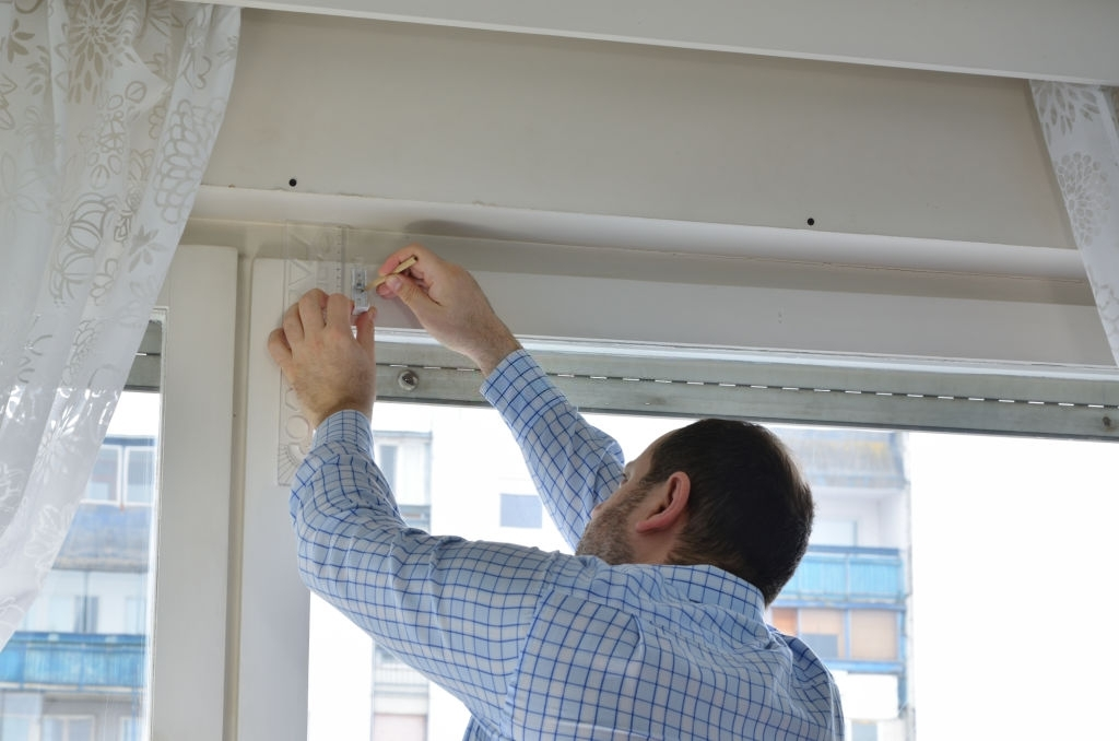 Install Curtains