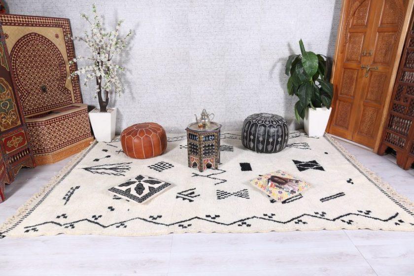 Description: Moroccan azilal rug