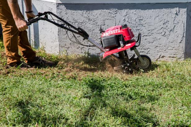 How Sod Suppliers Remove Old Grass for Laying New One?
